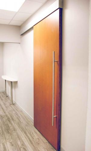 srt_Showroom_Barn_Door